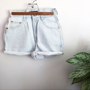 Vintage Nuovo high waist denim jean shorts